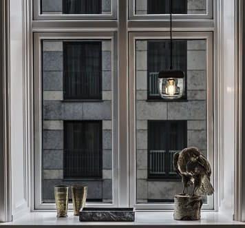 Acorn Lampa skandynawska – Styl nowoczesny – kolor mosiądz, transparentny, Czarny