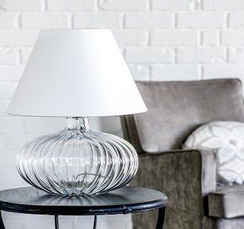 Brno Lampa stołowa