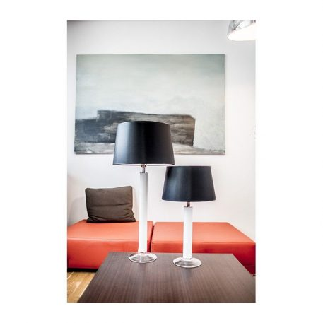 Lampa nowoczesna - białe szkło, czarny abażur biały w środku - 4concepts