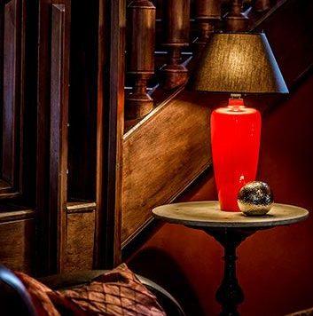 Sevilla Lampa modern classic – Z abażurem – kolor Czarny, Czerwony