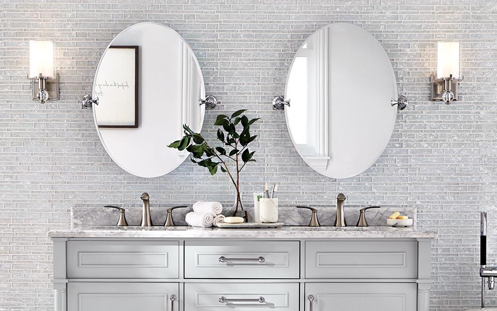 aranżacja kinkietów w łazience - szklane klosze